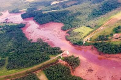 foto: Ponte ferroviária que desabou após desastre em Brumadinho (MG)/Wikimedia Commons